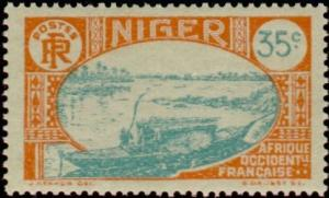 Colnect-852-939-Native-boat-on-the-Niger.jpg
